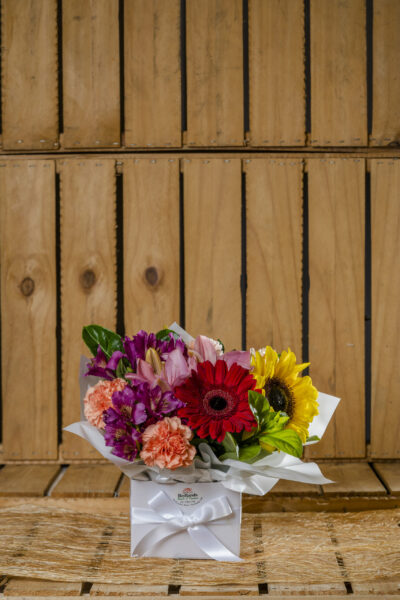Redlands Flowers Box